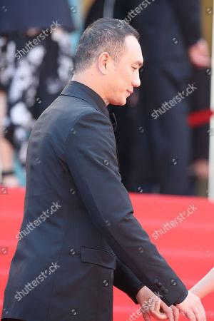 Jue Huang
