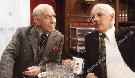 Ep 475 Tuesday 24th October 1978 Opening up The Woolpack Henry's shocked to see his old Captain, Major Denyer, in the army in the village. He is further surprised to find that he's planning to move to the area. Denyer, during the war, once saved Henry's life - With Major Denyer, as played by Kevin Stoney ; Henry Wilks, as played by Arthur Pentelow.