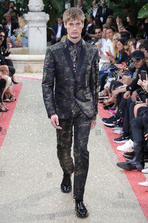 Neels Visser on the catwalk