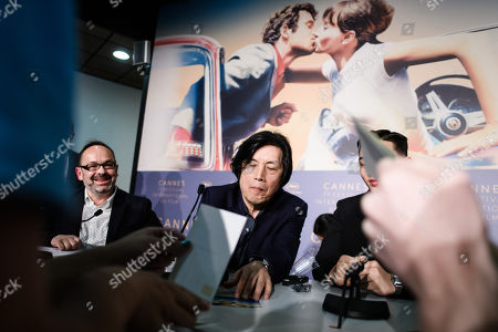 South Korean director Lee Chang-Dong (C) attends the press conference for 'Burning' during the 71st annual Cannes Film Festival, in Cannes, France, 17 May 2018. The movie is presented in the Official Competition of the festival which runs from 08 to 19 May.