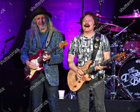 Patrick Simmons, Tom Johnston
