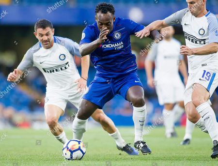Michael Essien of Chelsea Legends holds off Esteban Cambiasso of Inter Forever, Chelsea Legends v Inter Milan Forever, Ray Wilkins Memorial Match, Stamford Bridge, London United Kingdom, 18th May 2018