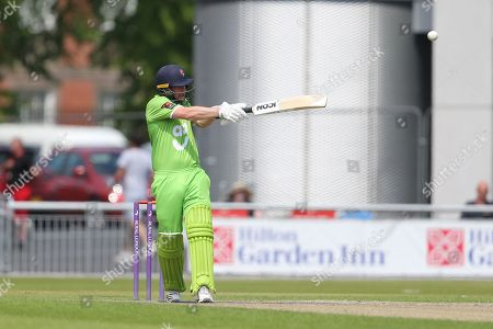 Hooking for Lanc's Karl Brown during the Specsavers County Champ Div 1 match between Lancashire County Cricket Club and Durham County Cricket Club at the Emirates, Old Trafford, Manchester. Picture by George Franks