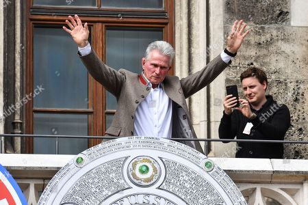 Bayern's head coach Jupp Heynckes celebrates on the balcony of the City Hall at the Marienplatz Square where the team was cheered by thousands supporters, in Munich, Germany, 20 May 2018. FC Bayern Munich is the German Bundesliga Champion for the 2017/18 season.