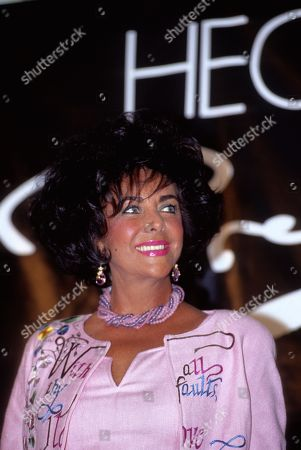 Pittsburgh Pennsylvania Usa 16th September 1992 Elizabeth Taylor and Husband Larry Fortensky Make an Appearance at Kaufmans Department Store Promoting 'White Diamonds' Perfume Us Pittsburgh