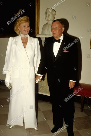 Washington Dc Usa 18th June 1984 Frank and Barbara Sinatra Pose As They Arrive For the State Dinner at the White House Frank Was the Entertainment That Evening Us Washington