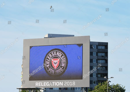 A seagull fly over the stadium before the German Bundesliga Relegation play-off second leg soccer match between Holstein Kiel and VfL Wolfsburg in Kiel, Germany, 21 May 2018.   (EMBARGO CONDITIONS - ATTENTION: Due to the accreditation guidlines, the DFL only permits the publication and utilisation of up to 15 pictures per match on the internet and in online media during the match.)