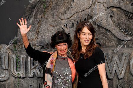 Geraldine Chaplin (L) and her daughter Oona Chaplin