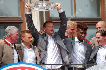 Jupp Heynckes, Joshua Kimmich, Manuel Neuer, Kingsley Coman, Sebastian Rudy