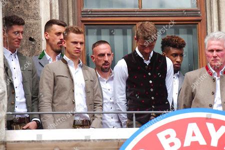 Robert Lewandowski, Sandro Wagner, Joshua Kimmich, Franck Ribery, Thomas Muller, Kingsley Coman, Coach Jupp Heynckes