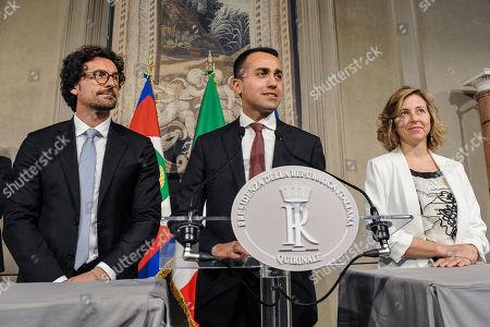 Leader of 5 Stars Movement Luigi Di Maio with party colleagues DaniloToninelli (L) and Giulia Grillo (R) addresses the media
