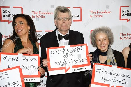 Roxanne Donovan, Stephen King, Margaret Atwood. Roxanne Donovan, left, Stephen King and Margaret Atwood attend the 2018 PEN Literary Gala at the American Museum of Natural History, in New York
