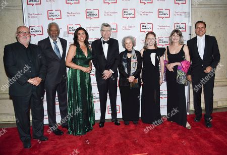 Sean Kelly, Morgan Freeman, Roxanne Donovan, Stephen King, Margaret Atwood, Suzanne Nossel, Jennifer Egan, Markus Dohle. Sean Kelly, left, Morgan Freeman, Roxanne Donovan, Stephen King, Margaret Atwood, Suzanne Nossel, Jennifer Egan and Markus Dohle attend the 2018 PEN Literary Gala at the American Museum of Natural History, in New York