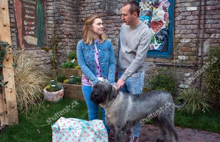 Ep 9473 Monday 4th June 2018 - 2nd Ep After their dog training session, Sharon gives Kirk Sutherland, as played by Andy Whyment, a bag of her ex husband's old clothes.