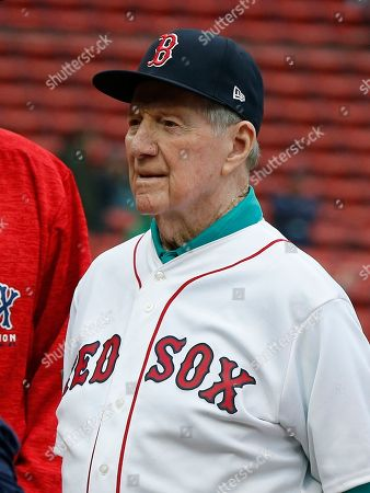 Former Boston Red Sox's Joe Morgan before a Red Sox alumni baseball game, in Boston