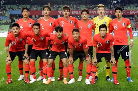 Ju Se-jong, Hong Chul, Lee Seung-woo, Hwang Hee-chan, Go Yo-han, Jung Woo-young, Jeong Seung-hyeon, Kim Young-gwon, Lee Chung-yong, Jo Hyeon-woo, Son Heung-min. South Korea's national soccer team players, front row from left, Ju Se-jong, Hong Chul, Lee Seung-woo, Hwang Hee-chan, Go Yo-han, and back row from left, Jung Woo-young, Jeong Seung-hyeon, Kim Young-gwon, Lee Chung-yong, Jo Hyeon-woo, Son Heung-min, pose before a friendly soccer match between South Korea and Honduras in Daegu, South Korea