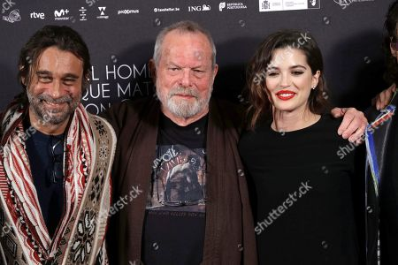 British film maker Terry Gilliam poses with Spanish actors and cast members Jordi Molla (L) and Joana Ribeiro during the photocall of his latest film 'The Man Who Killed Don Quixote' at the Dore Cinema in Madrid, Spain, 28 May 2018 (issued on 29 May).