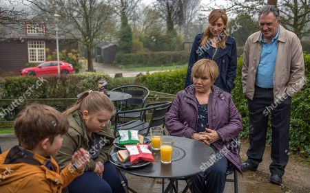Ep 8161 Monday 28 May 2018 Brenda Walker, as played by Lesley Dunlop, sabotages Bob Hope, as played by Tony Audenshaw, and Laurel Thomas', as played by Charlotte Bellamy, night alone.