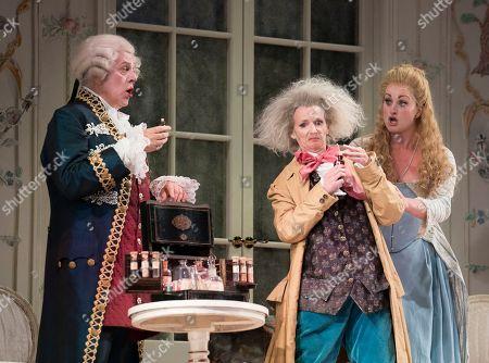 Peter Coleman-Wyight as Don Alfonso, Sarah Tynan as Despina,  Eleanor Dennis as Fiordiligi