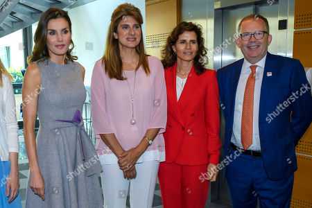 Spain's Queen Letizia, right, HRH Princess Dina Mired of Jordan President-elect of UICC, left, and Cary Adams, center, Chief Executive Officer UICC, speak, during a queen's visit at the headquarters of the Union for International Cancer Control (UICC) in Geneva, Switzerland, 31 May 2018.