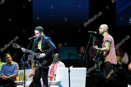 David Cook and Chris Daughtry