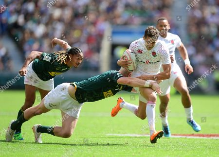 Ollie Lindsay-Hague of England in action during the HSBC London Sevens match between England and South Africa at Twickenham Stadium on June 3, 2018 in London, England. (Photo by Alex Davidson)