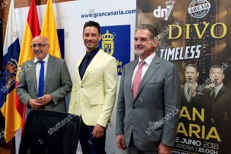 (L-R) Gran Ganaria's regional president Antonio Morales, Swiss singer Urs Buhler of international vocal band 'Il Divo', and Gran Canaria's Presidency Counselor Pedro Justo Brito, attend the presentation of the band's concert at Las Palmas de Gran Canaria, Canary Islands, Spain, 01 June 2018. The band will perform for the first time in the Canary Islands on 02 June 2018.