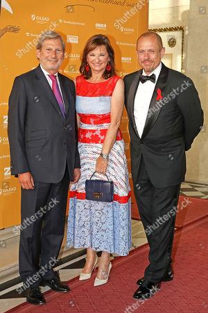 Johannes Hahn and Susanne Riess and Gery Keszler