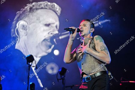 Dave Gahan, Martin Gore. Martin Gore, left, and Dave Gahan of Depeche Mode performs during the Global Spirit Tour at the United Center, in Chicago