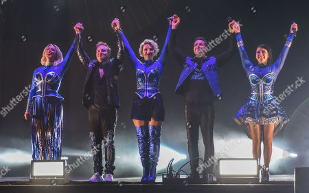 Steps - Faye Tozer, Ian H Watkins, Claire Richards, Lee Latchford-Evans and Lisa Scott-Lee