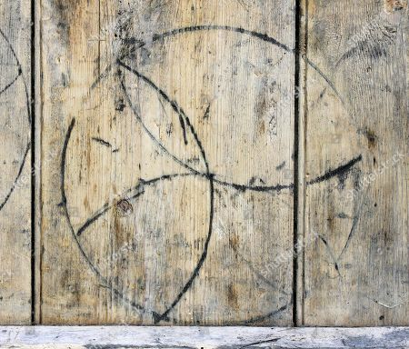 Former Bbc Correspondent Michael Cole Discovers His Old Garage Door Has Markings That Depict Ancient Black Magic And Witches Curses. An Incomplete Hexafoil Symbol Taken From Michael's Door.