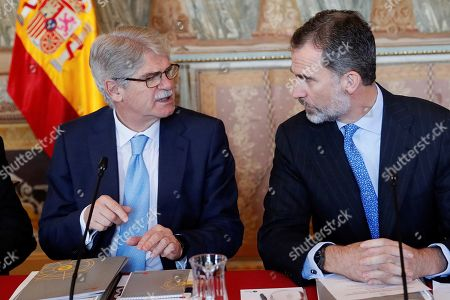 King Felipe VI and Alfonso Dastis