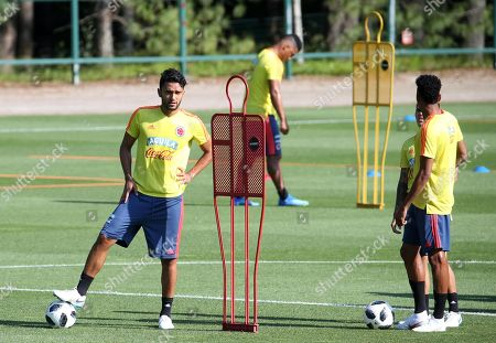 Colombia's midfielder Abel Aguilar (L) attends a training session at the Milanello training center in Carnago, Milan, Italy, 05 June 2018. Colombia's national soccer team prepares for the FIFA World Cup 2018 taking place in Russia from 14 June to 15 July 2018.