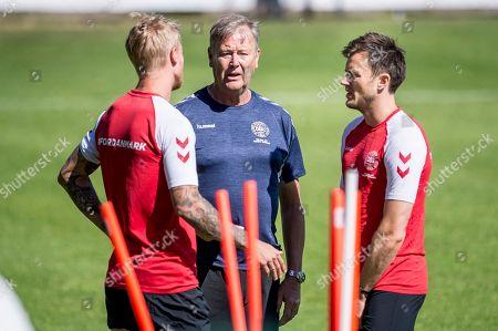Simon Kjaer, Aage Hareide and William Kvist .