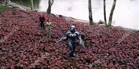 Mina Sundwall, Taylor Russell, (Brian Steele) as Robot,  Max Jenkins
