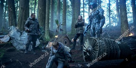 Toby Stephens, Max Jenkins, Molly Parker, (Brian Steele) as Robot