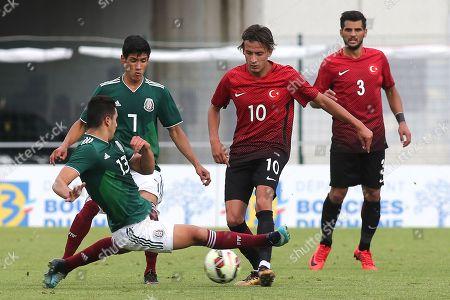 Jorge Eduardo Sanchez Ramos of Mexico U21's tackles Turkey U21's Alican Ozfesli during Mexico Under-21 vs Turkey Under-21, Tournoi Maurice Revello Football at Stade de Lattre-de-Tassigny on 6th June 2018