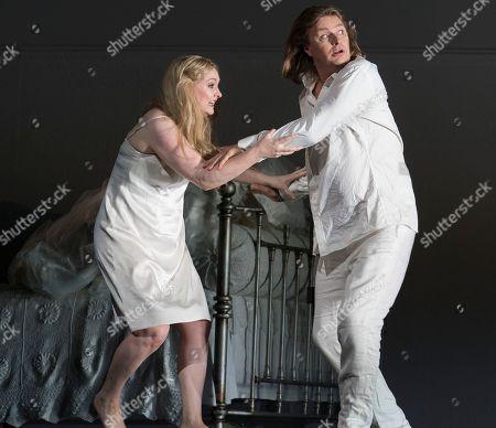 Stock Photo of Jennifer Davis as Elsa, Klaus Florian Vogt as Lohengrin,
