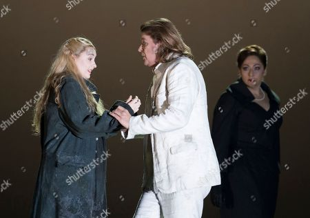Jennifer Davis as Elsa, Klaus Florian Vogt as Lohengrin, Christine Goerke as Ortrud