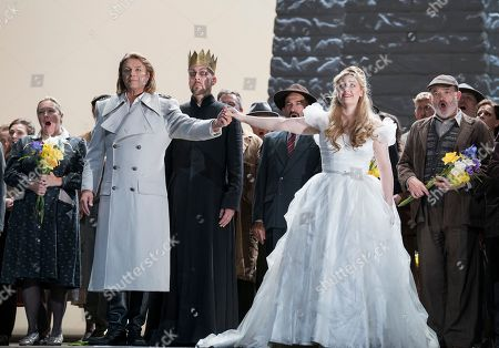 Klaus Florian Vogt as Lohengrin, Georg Zeppenfeld as King Heinrich, Jennifer Davis as Elsa,