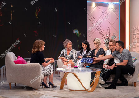 "Lorraine Kelly, Steps - Lee Latchford-Evans, Claire Richards, Lisa Scott-Lee, Faye Tozer and Ian ""H"" Watkins"