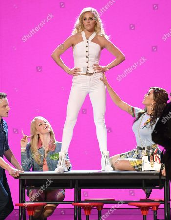 Taylor Louderman and the cast of 'Mean Girls'
