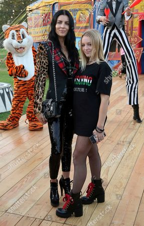 Skyla Sanders, Liberty Ross. Skyla Sanders, right, and Liberty Ross attend the MOSCHINO Spring/Summer 2019 Menswear Resort Womenswear Show and Party, in Burbank, Calif