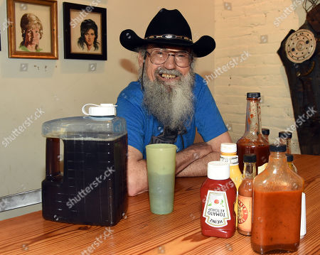 (EXCLUSIVE) Uncle Si Robertson of Uncle Si & The Sicotics