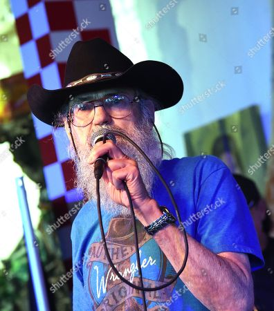 Uncle Si Robertson of Uncle Si & The Sicotics