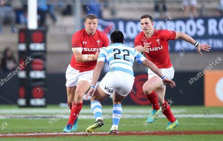 Hadleigh Parkes of Wales takes on Santiago Gonzalez Iglesias of Argentina.