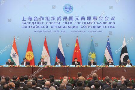 Narendra Modi, Sooronbay Jeenbekov, Emomalii Rahmon, Vladimir Putin, Xi Jinping, Shavkat Mirziyoyev and Mamnoon Hussain