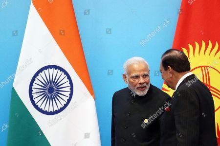 Mamnoon Hussain and Narendra Modi