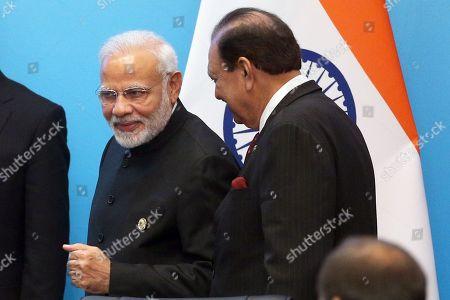 Narendra Modi and Mamnoon Hussain