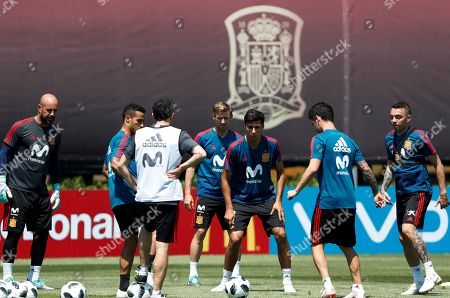 Spain national team players goalkeeper Pepe Reina (L), Thiago Alcantara (2-L), Nacho Monreal (C-rear), Rodrigo (C), Isco (2-R) and Iago Aspas (R) take part in a training session of their team in Krasnodar, Russia, 10 June 2018. The team prepare for FIFA World Cup 2018 in Russia running from 14 June to 15 July.